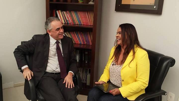 Luiz Flávio Gomes e Maia Veloso.