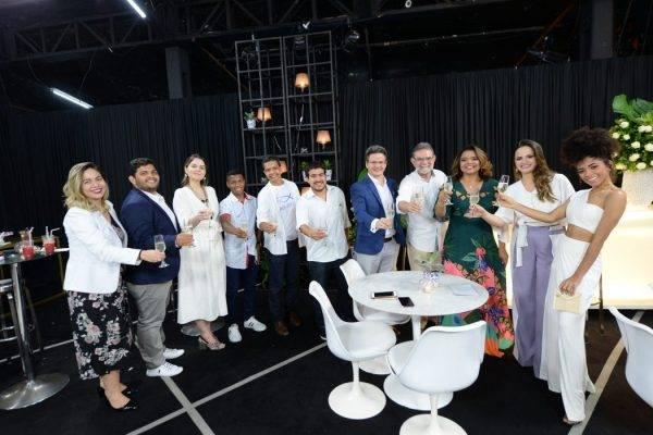 O FALANDO NISSO DESTA SEXTA (04) DESTACA E PREMIA QUEM FOI DESTAQUE NO ANO DE 2018